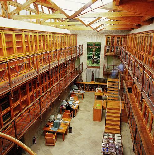 Atras de la biblioteca - 3 part 9